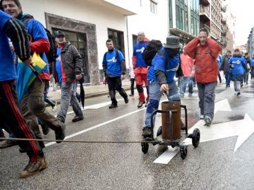 Llegada a Oviedo de Felguera melt, jesus alvarez y la nodular. 2-2-2013