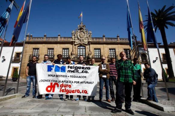 Trabajadores de Felguera Melt, hoy en Oviedo. Imagen de Pablo Lorenzana