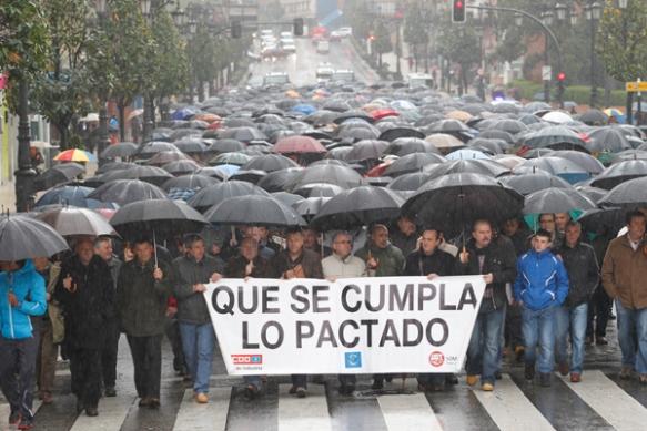 Una imagen de la protesta por los recortes en las prejubilaciones de Hunosa. Imagen de Luisma Murias