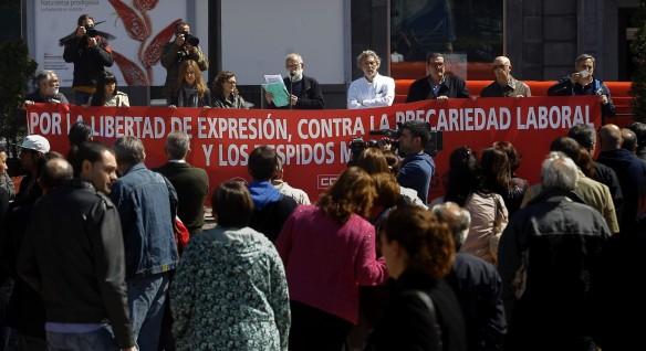 Rafael Sánchez Avello, vocal de la Asociación, durante la lectura de uno de los comunicados. Imagen de Pablo Lorenzana