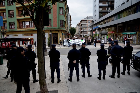Concentración y marcha de los empleados de Liberbank. Imagen de Pablo Gómez