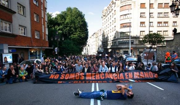 La primera manifestación de lo que, después, se conocería como el movimiento de los 'indignados'. Imagen de Pablo Lorenzana